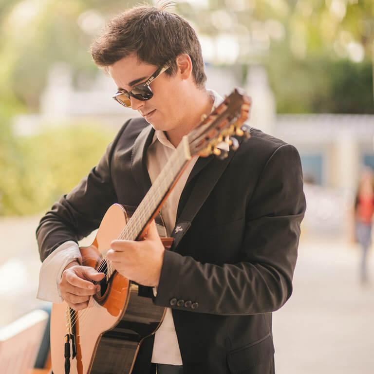 Guitarist Jim Gable